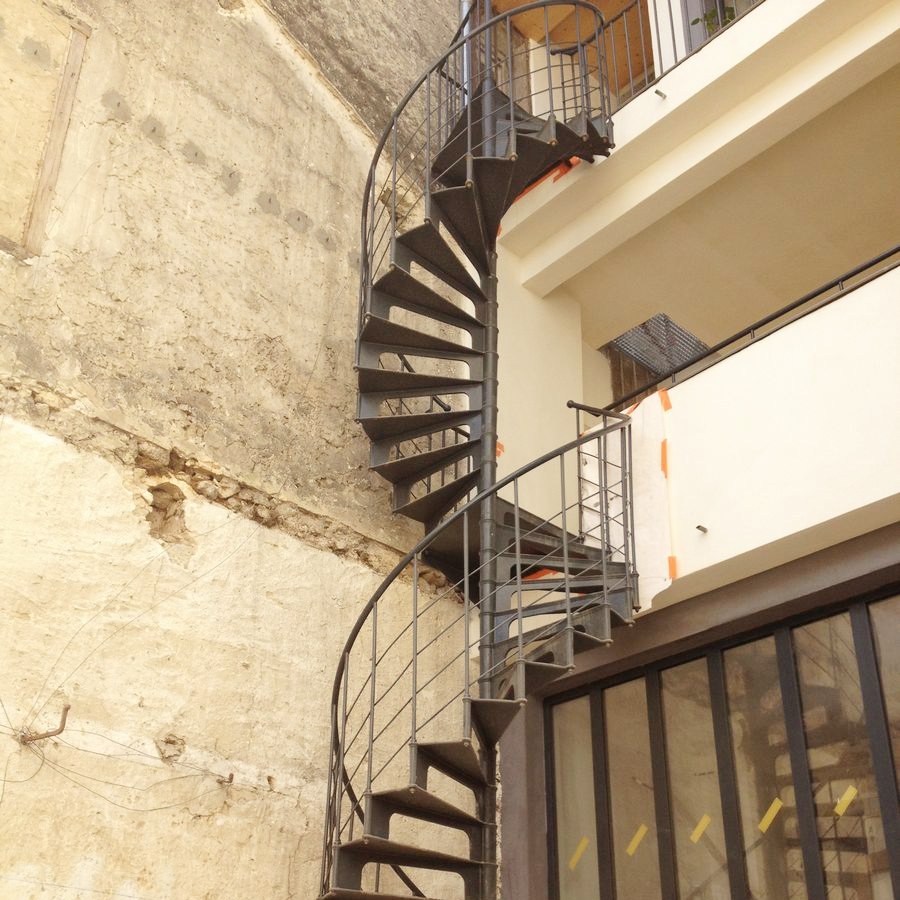 double escalier en colima on exterieur french cast iron spiral stairs. Black Bedroom Furniture Sets. Home Design Ideas