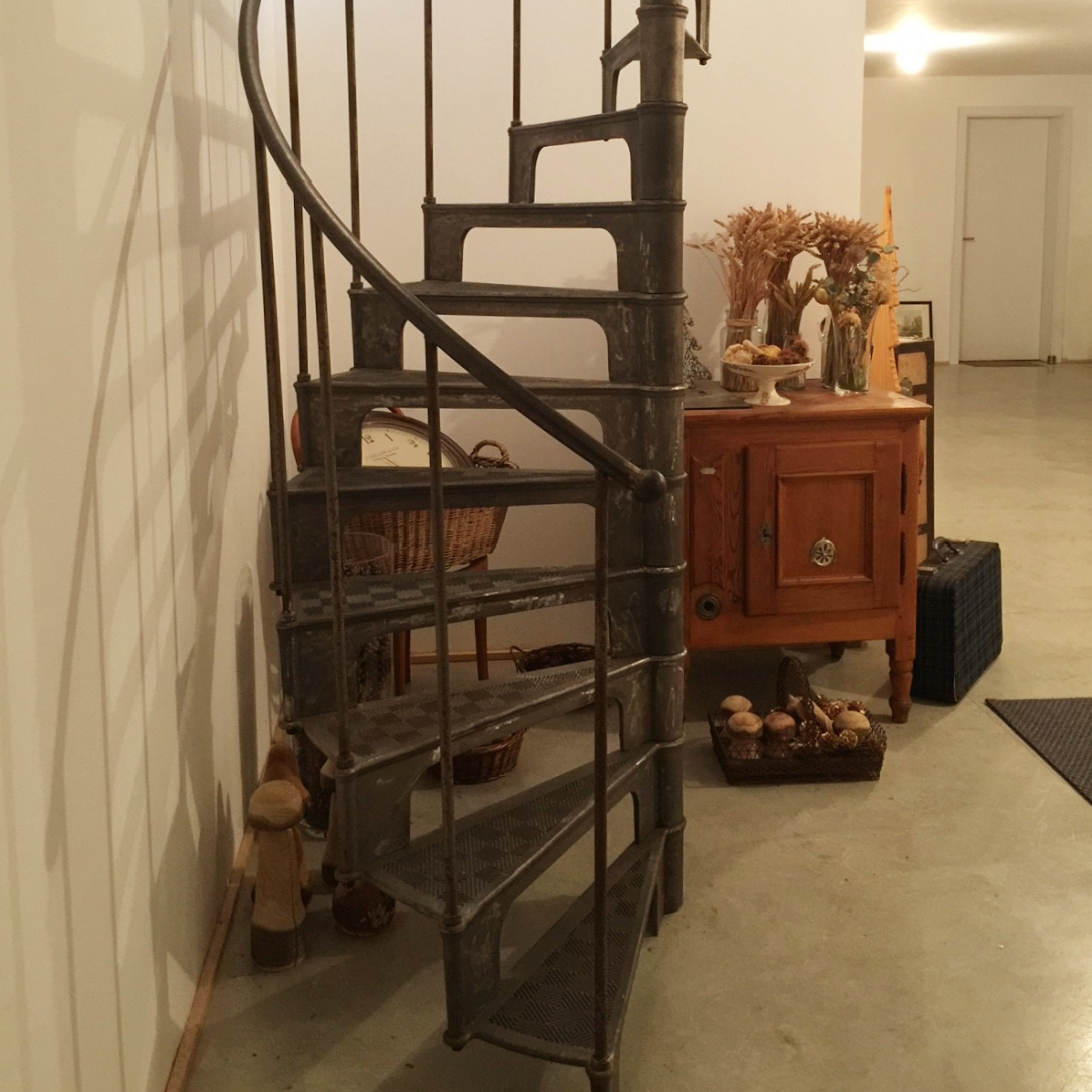 escalier colima on fonte interieur ancien french cast iron spiral stairs. Black Bedroom Furniture Sets. Home Design Ideas